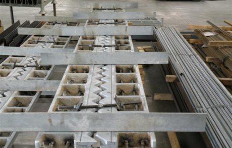 Ontwikkeling van een geluidsarme, thermisch verzinkte, stalen voegovergang
