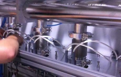 Ultrahoog vacuüm reiniging en kwalificatie